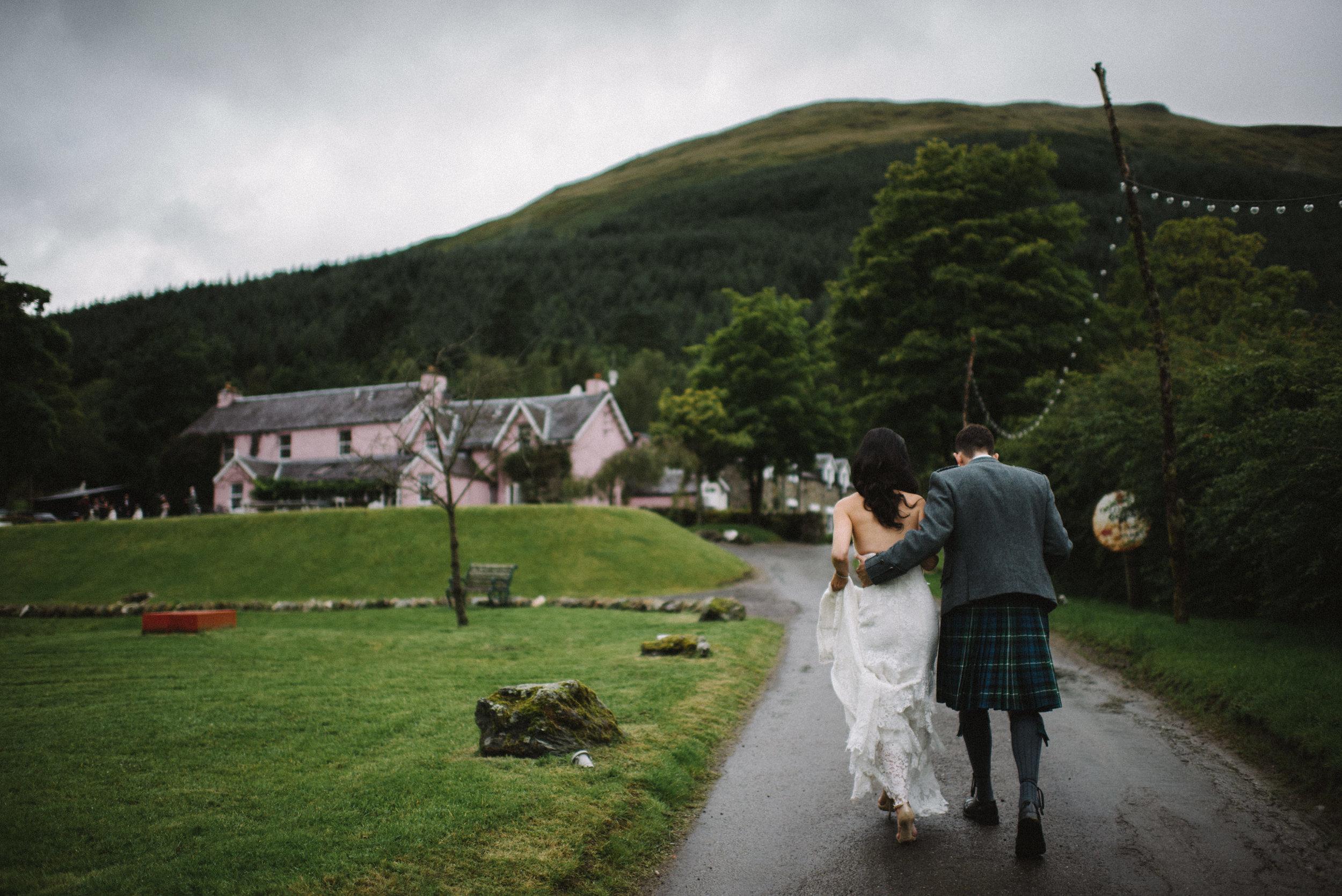 0103-LISA-DEVINE-PHOTOGRAPHY-ALTERNATIVE-WEDDING-PHOTOGRAPHY-SCOTLAND-DESTINATION-WEDDINGS-GLASGOW-WEDDINGS-COOL-WEDDINGS-STYLISH-WEDDINGS.JPG