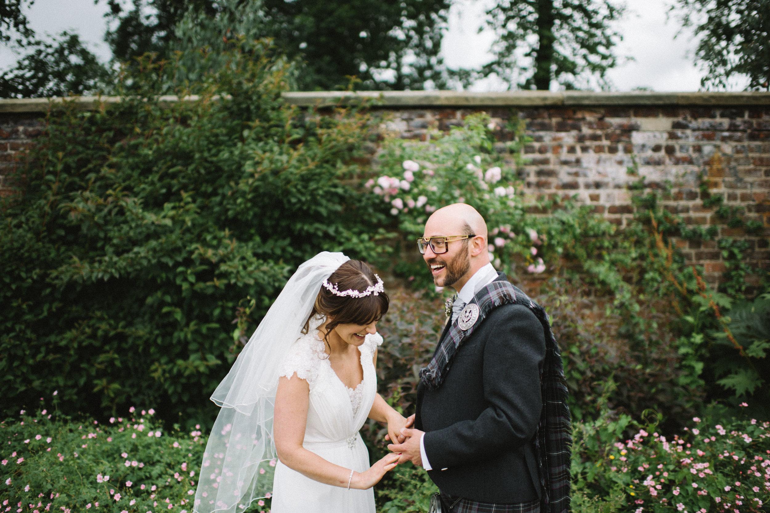 0116-LISA-DEVINE-PHOTOGRAPHY-ALTERNATIVE-WEDDING-PHOTOGRAPHY-SCOTLAND-DESTINATION-WEDDINGS-GLASGOW-WEDDINGS-COOL-WEDDINGS-STYLISH-WEDDINGS.JPG
