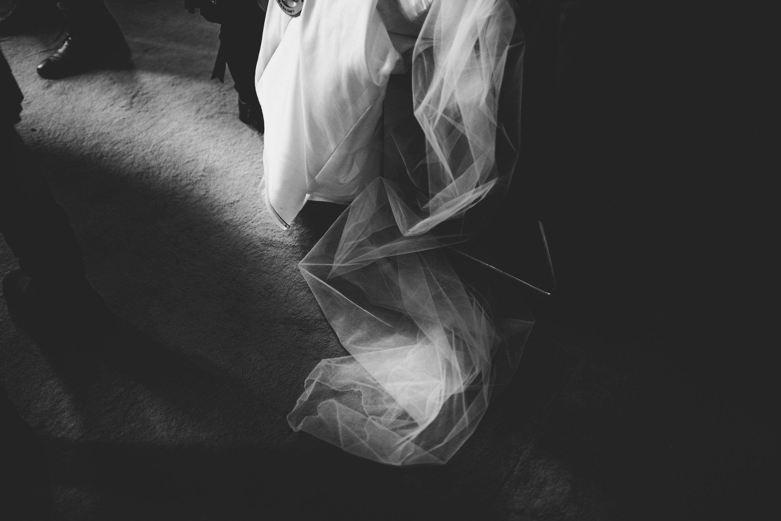 0171-LISA-DEVINE-PHOTOGRAPHY-ALTERNATIVE-WEDDING-PHOTOGRAPHY-SCOTLAND-DESTINATION-WEDDINGS-GLASGOW-WEDDINGS-COOL-WEDDINGS-STYLISH-WEDDINGS.JPG