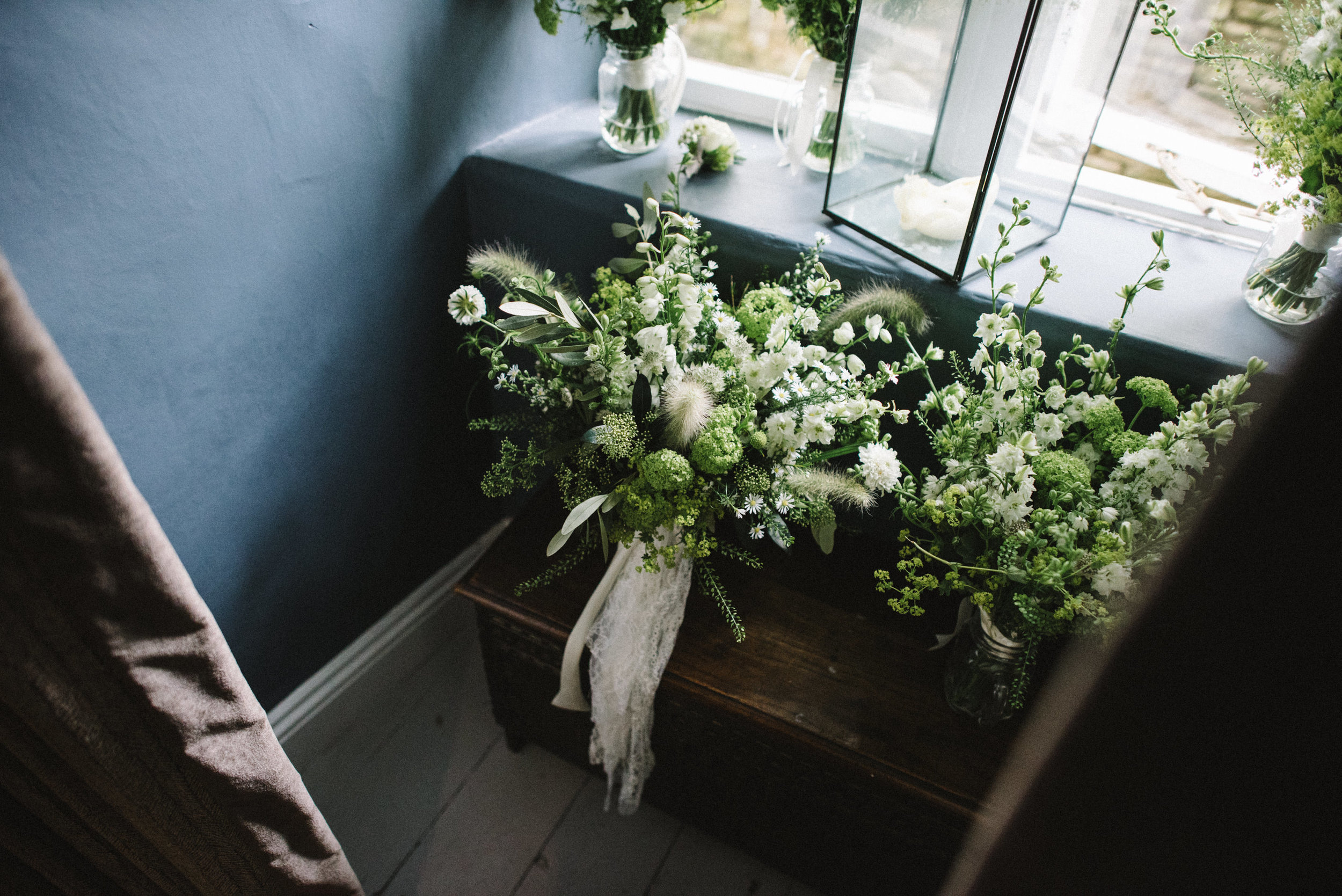0194-LISA-DEVINE-PHOTOGRAPHY-ALTERNATIVE-WEDDING-PHOTOGRAPHY-SCOTLAND-DESTINATION-WEDDINGS-GLASGOW-WEDDINGS-COOL-WEDDINGS-STYLISH-WEDDINGS.JPG