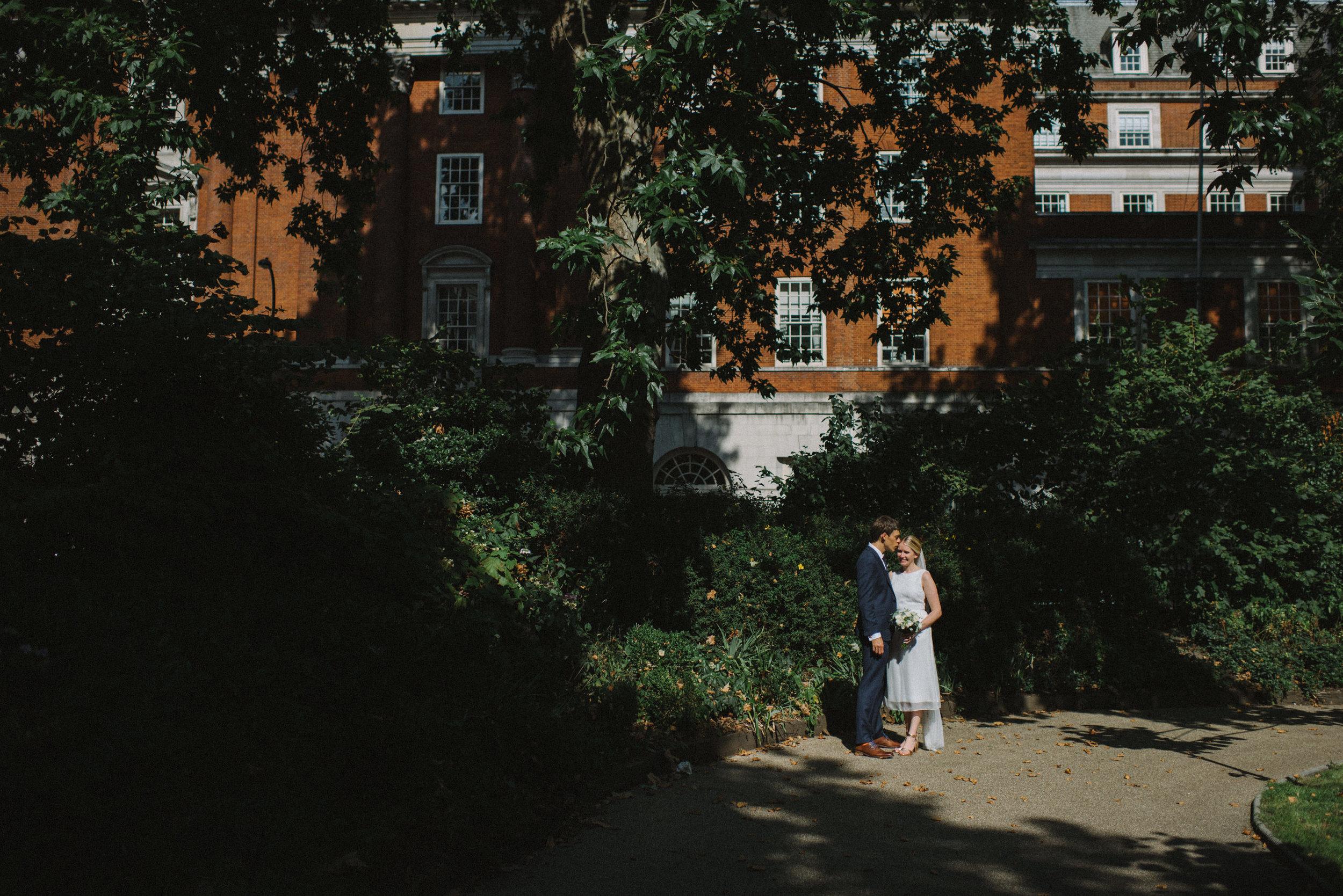 0207-LISA-DEVINE-PHOTOGRAPHY-ALTERNATIVE-WEDDING-PHOTOGRAPHY-SCOTLAND-DESTINATION-WEDDINGS-GLASGOW-WEDDINGS-COOL-WEDDINGS-STYLISH-WEDDINGS.JPG