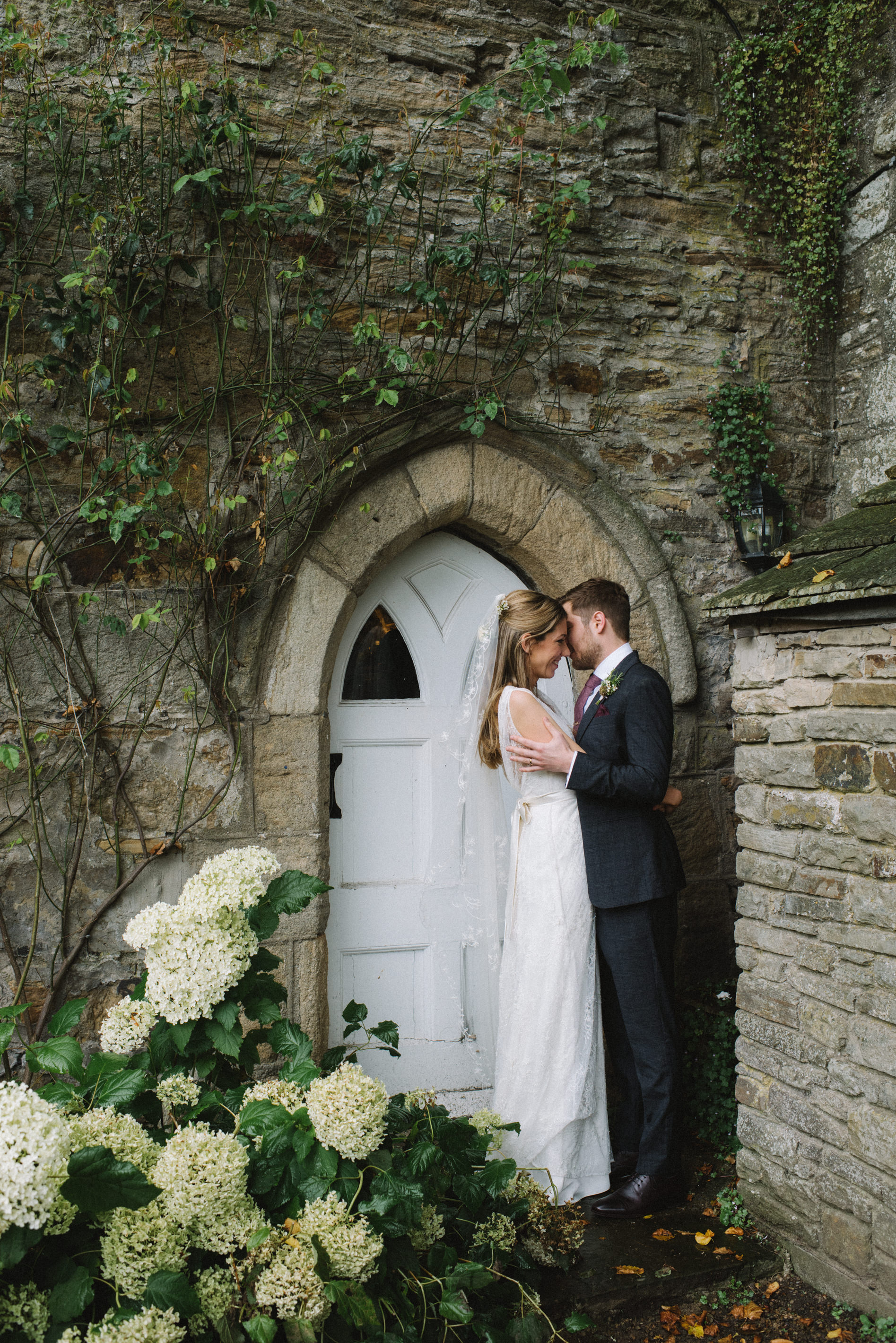 0239-LISA-DEVINE-PHOTOGRAPHY-ALTERNATIVE-WEDDING-PHOTOGRAPHY-SCOTLAND-DESTINATION-WEDDINGS-GLASGOW-WEDDINGS-COOL-WEDDINGS-STYLISH-WEDDINGS.JPG