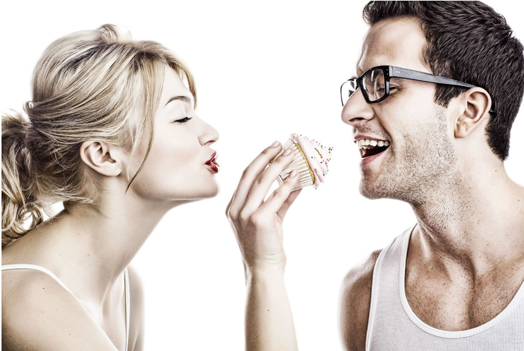 cupcake couple.jpg