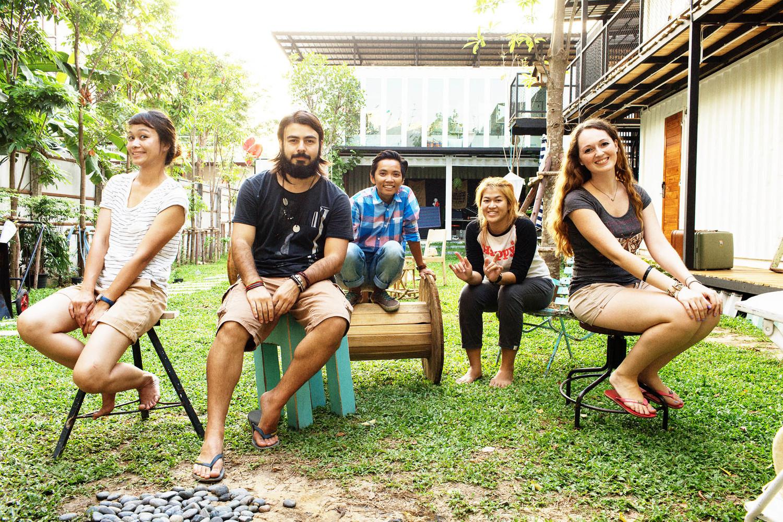 As meninas do The Yard Hostel em Bangkok
