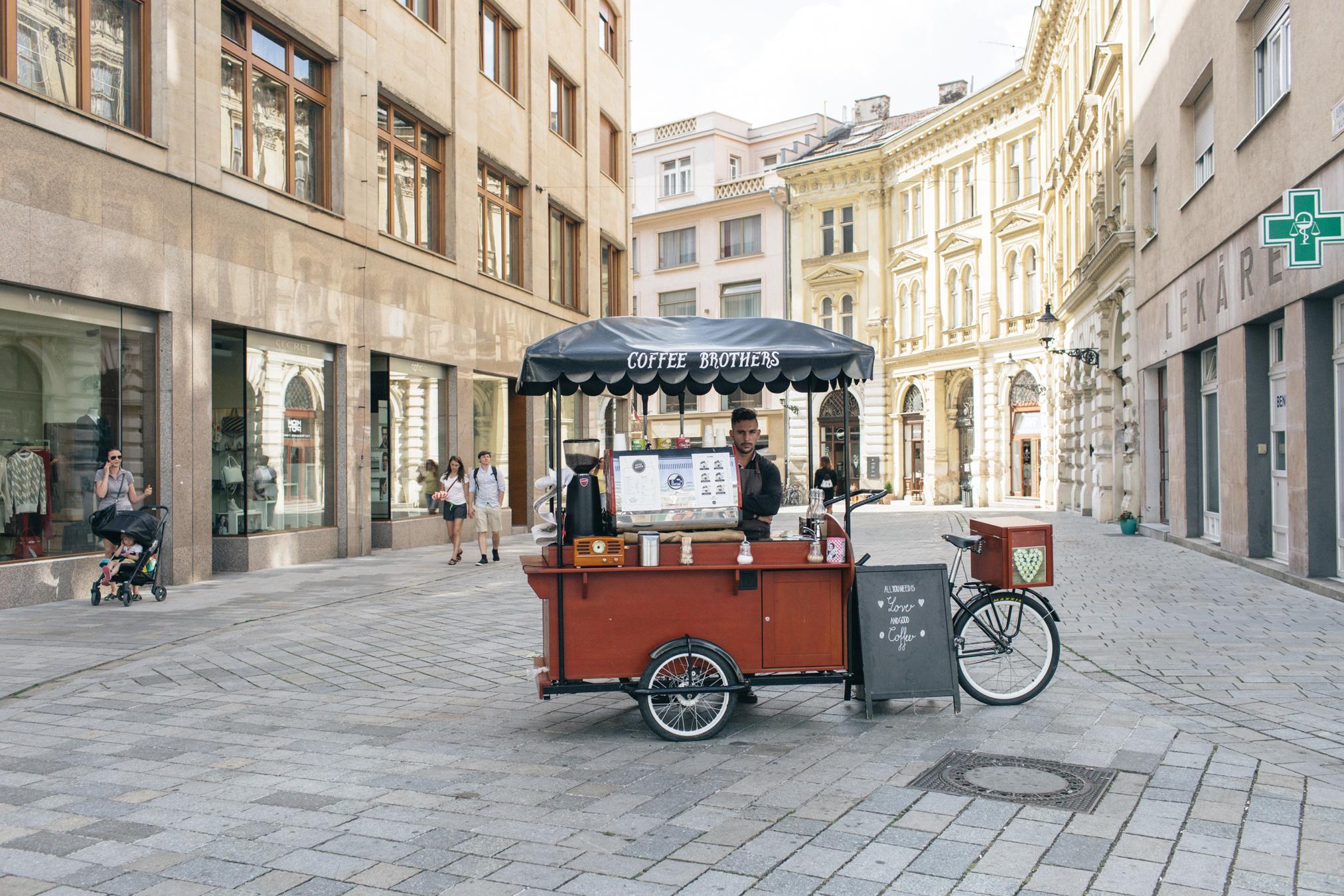 bratislava eslovaquia cafe