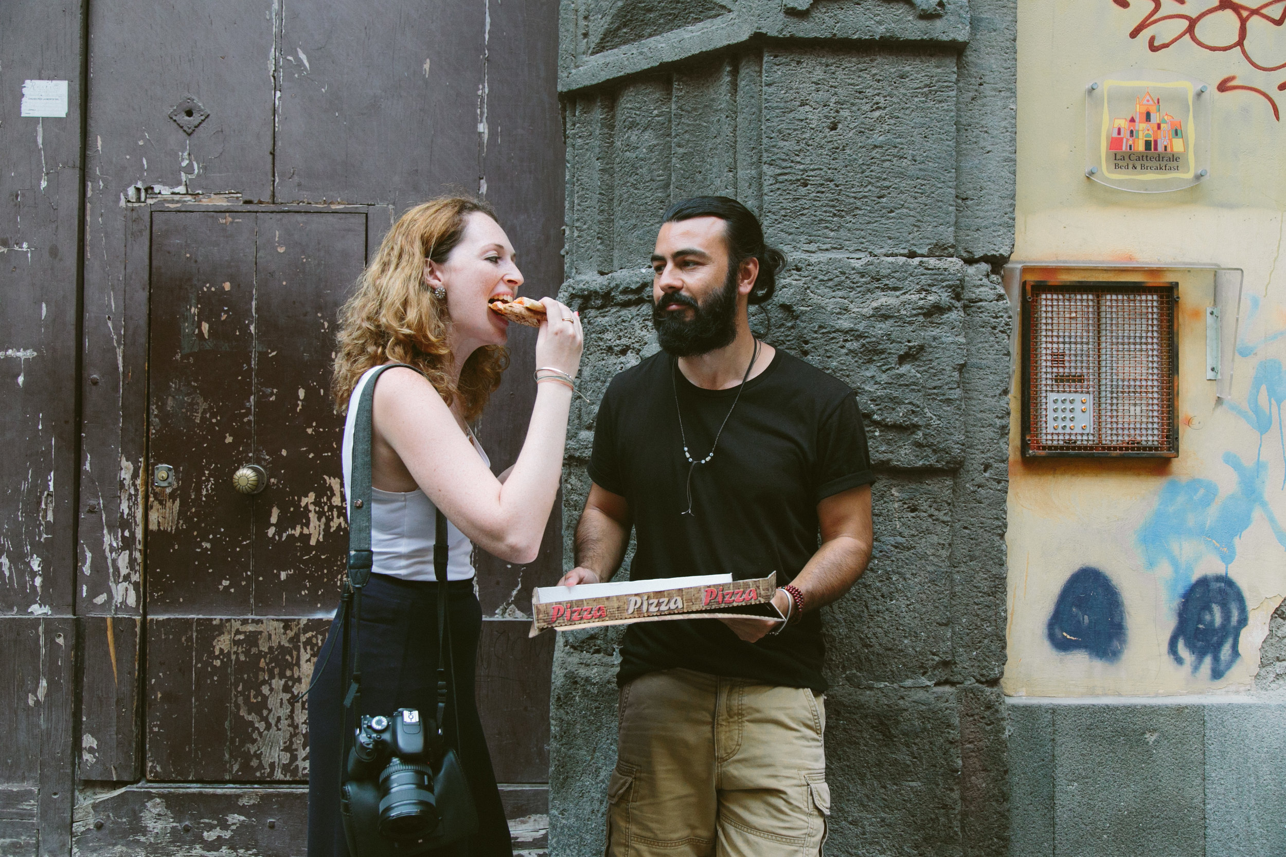 Pizza na rua em Nápoles