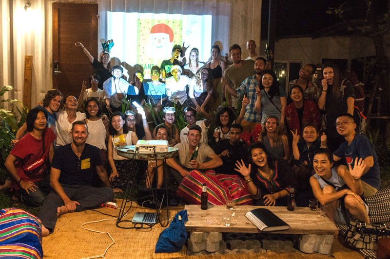 Natal 2017 no  The Yard Hostel Bangkok  / Como Escolher um Hostel: Guia para Iniciantes