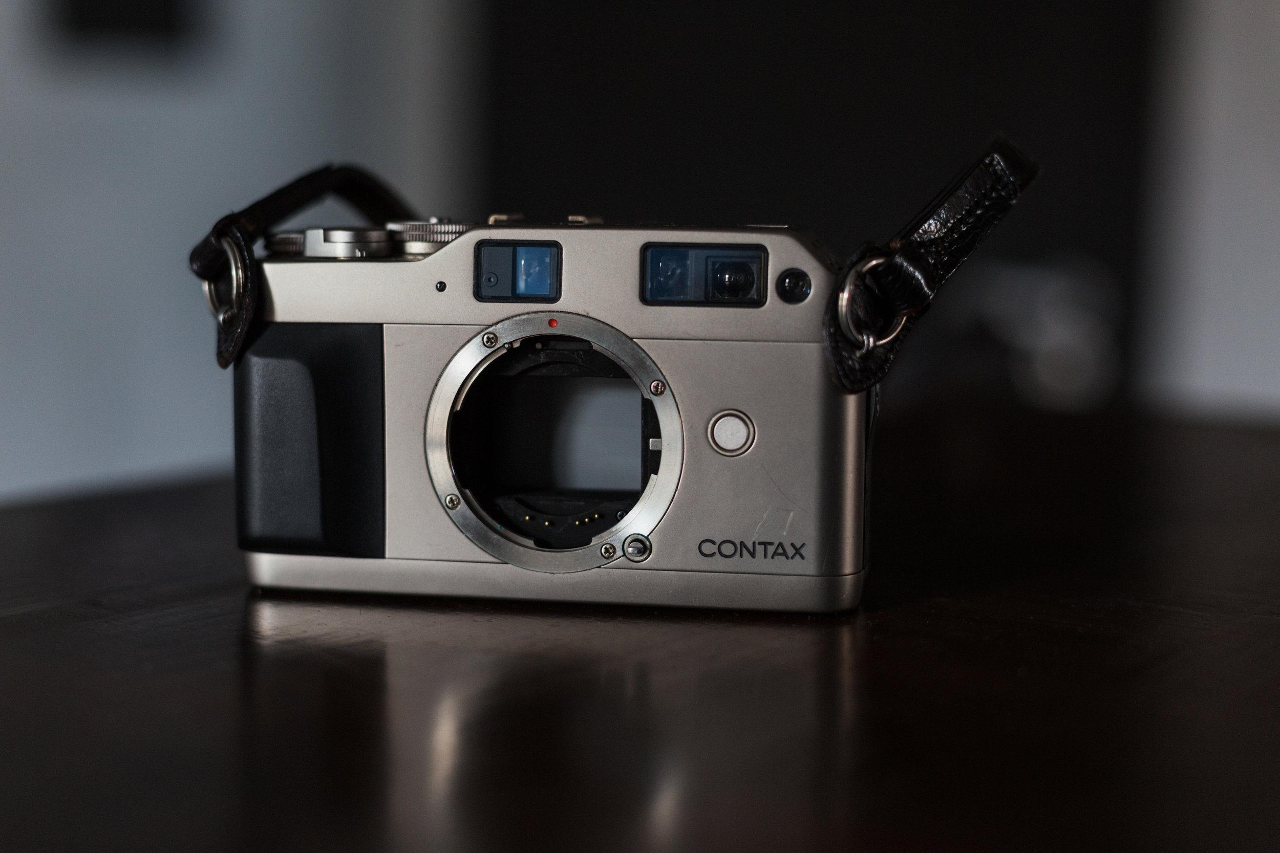 contax g1 mirrorless camera