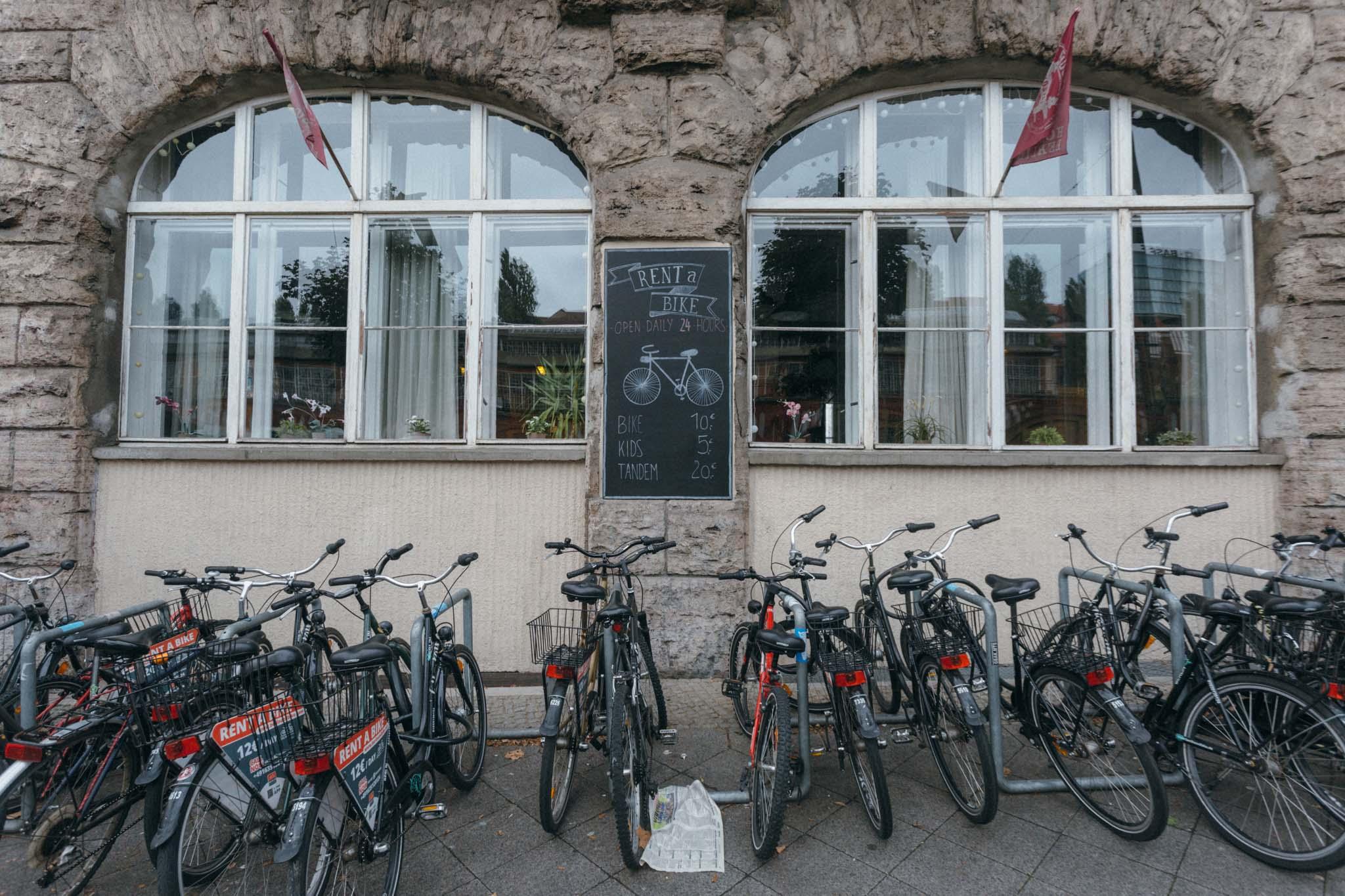 É comum encontrar bicicletas para alugar
