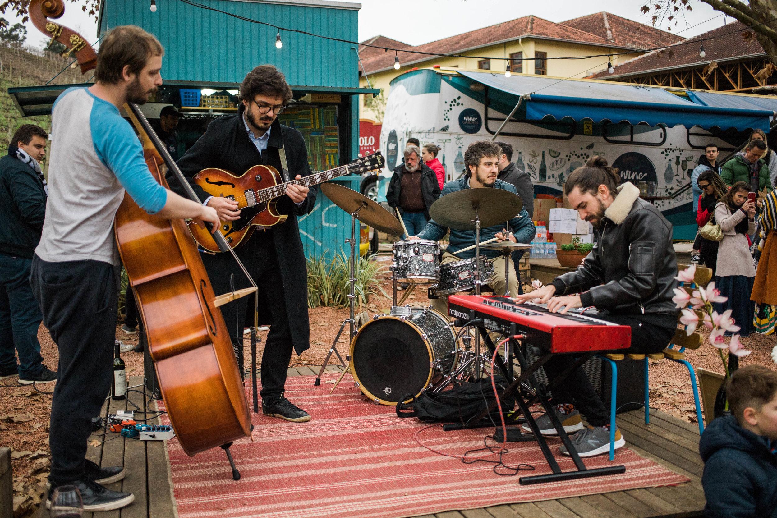 jazz wine garden miolo