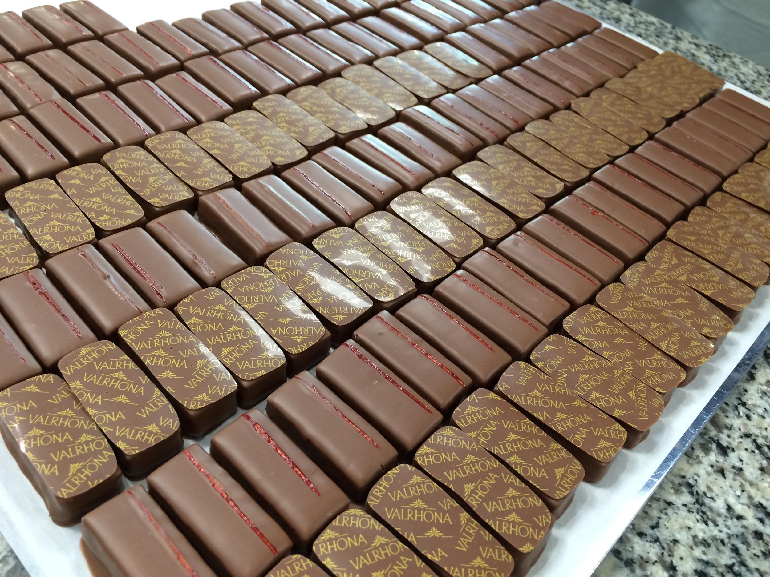 valrhona-sheetsofchocolate.JPG