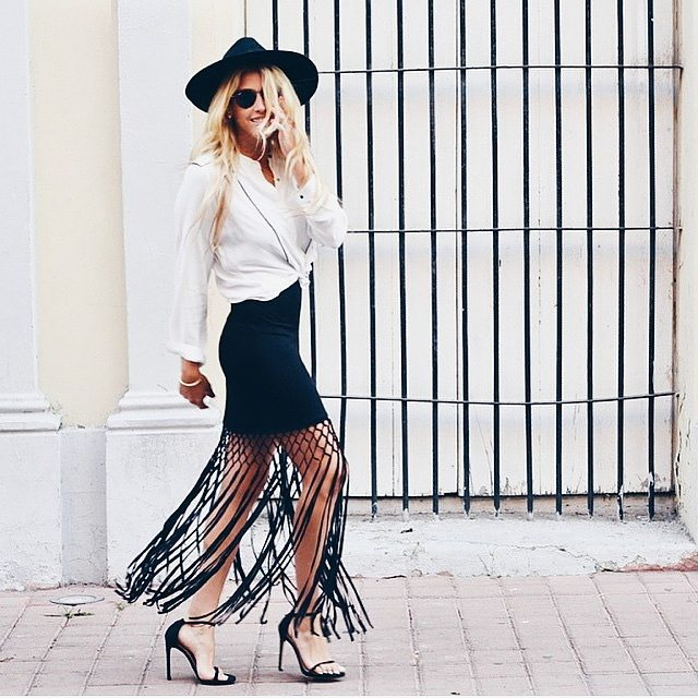 Fringed skirts are big this season. Blogger and Vogue Mexico contributor Fer Medina show us how to create the look.