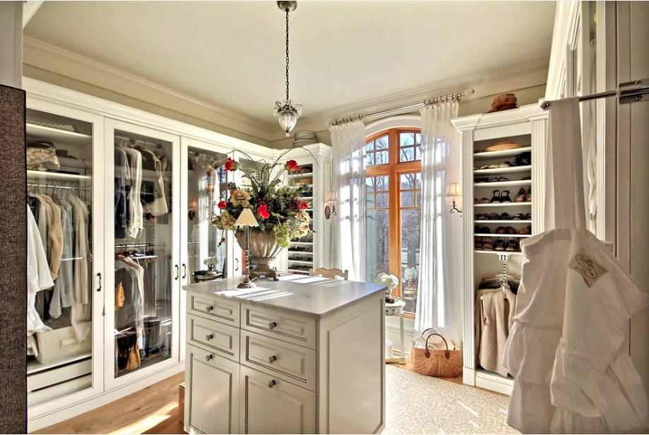 Walk in closet with shoes