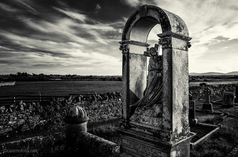 Kilmacduagh-monument