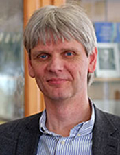 Christian Buchholz, Ph.D. Paul-Ehrlich-Institut, Langen, Germany   In Vitro Generation of CAR T cells