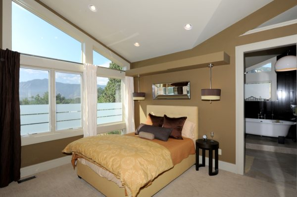 20903970-master_bedroom_copy.jpg