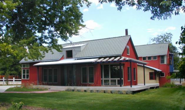 Modern Farm House.png