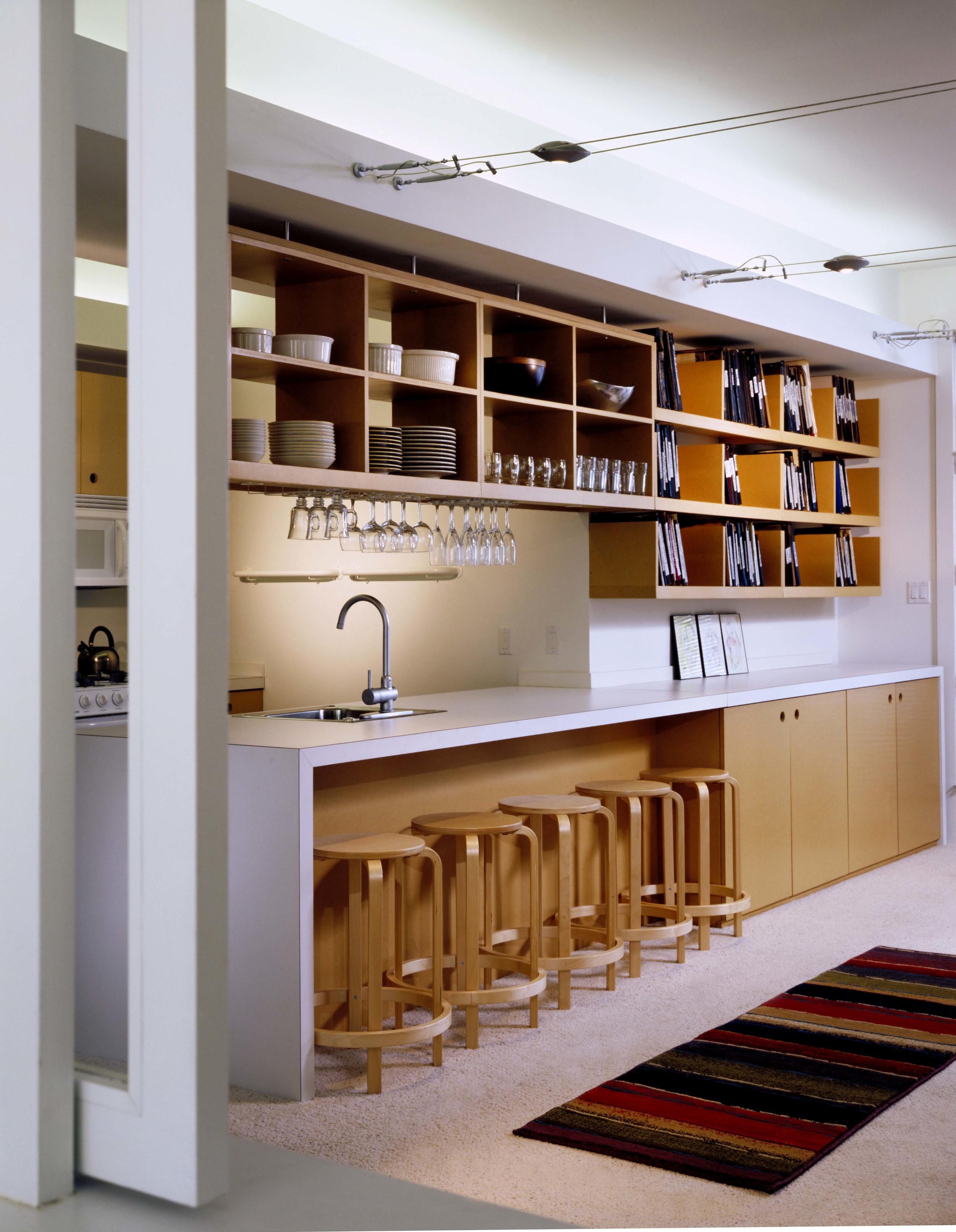 KR077 lower kitchen.jpg