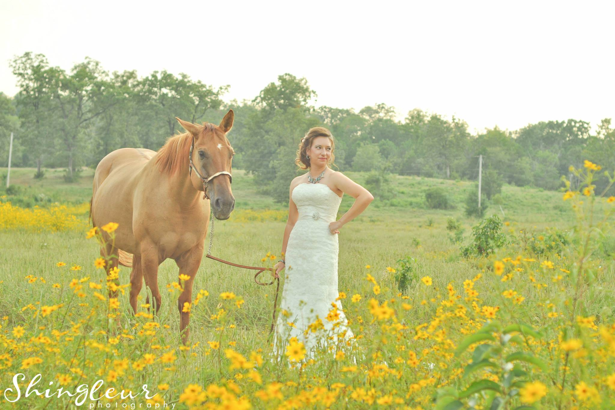 Shingleur Photography . Lindsy brought her horse along for her bridal shoot. How pretty is the land around The Barn when it's all yellow?! You can see more of her bridals  here  and read her wedding post  here .