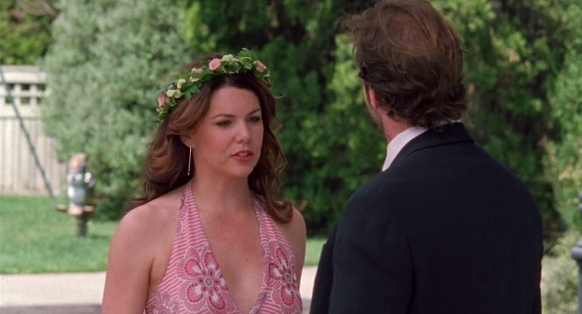 I may or may not have been watching Gilmore Girls obsessively on Netflix for the last few weeks. ;) Anyway, this flower crown Lorelai wore to a creepy Renaissance-themed wedding was so sweet and pretty!