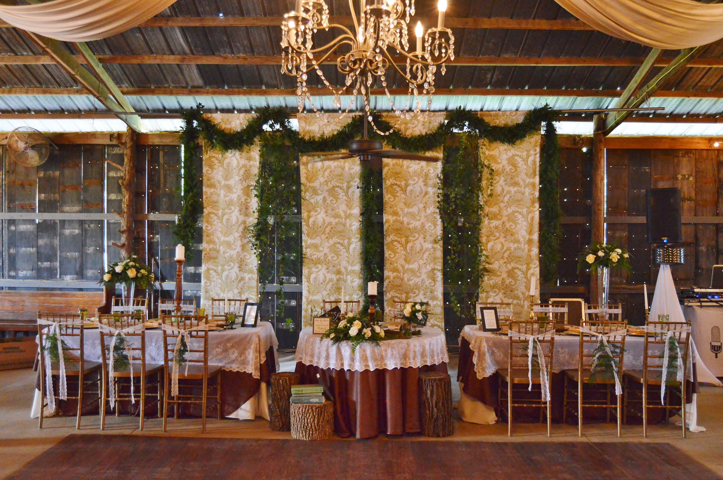 These two had a sweetheart table, with two additional tables for their wedding party. I love this idea!