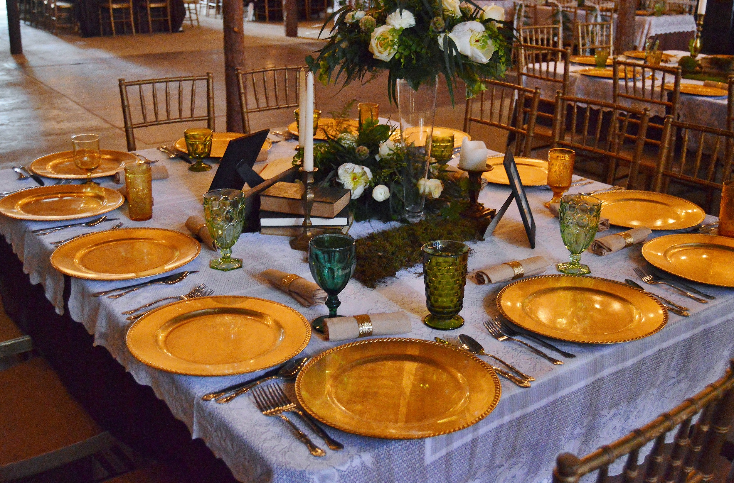 Their place settings were gorgeous! This mismatched glassware... swoon!