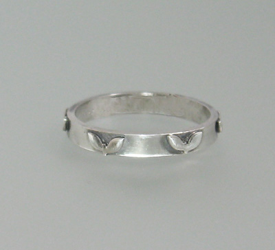 Heart Leaves Wedding Band in Sterling Silver