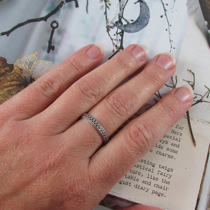Woman's Small Crown Band in Sterling Silver