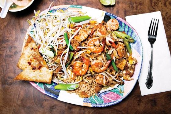night market gq pad thai