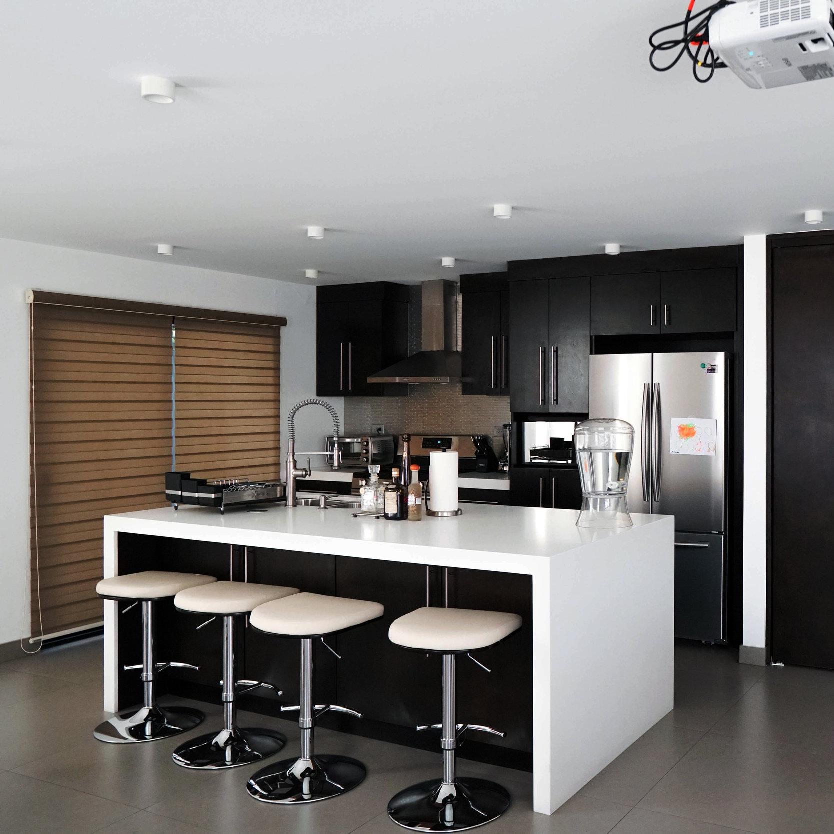 RESIDENCIAL - Trabajamos desde el proceso de diseño hasta la construcción de espacios residenciales.