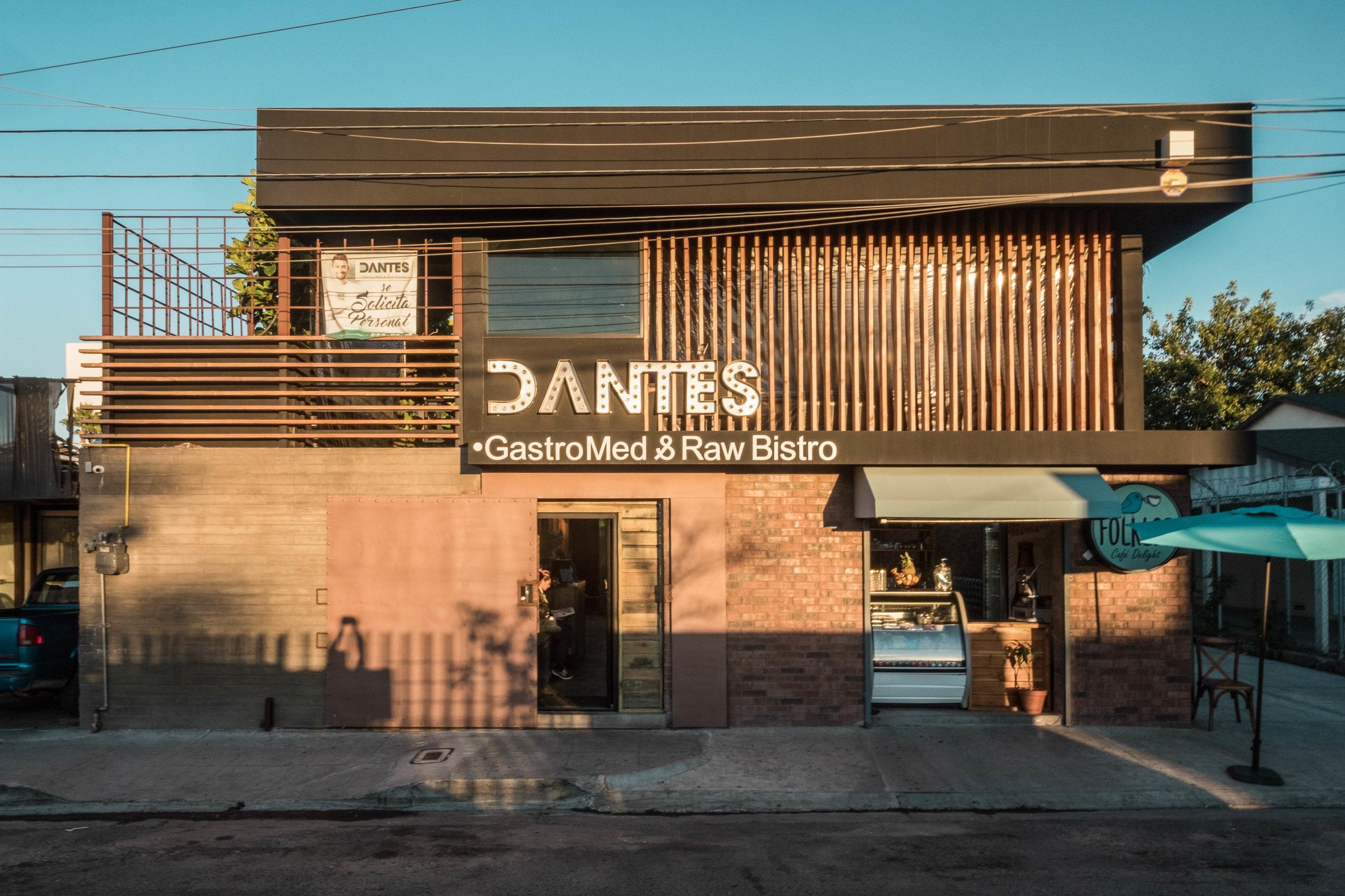Dantes GastroMed & Raw Bistro - Restaurante