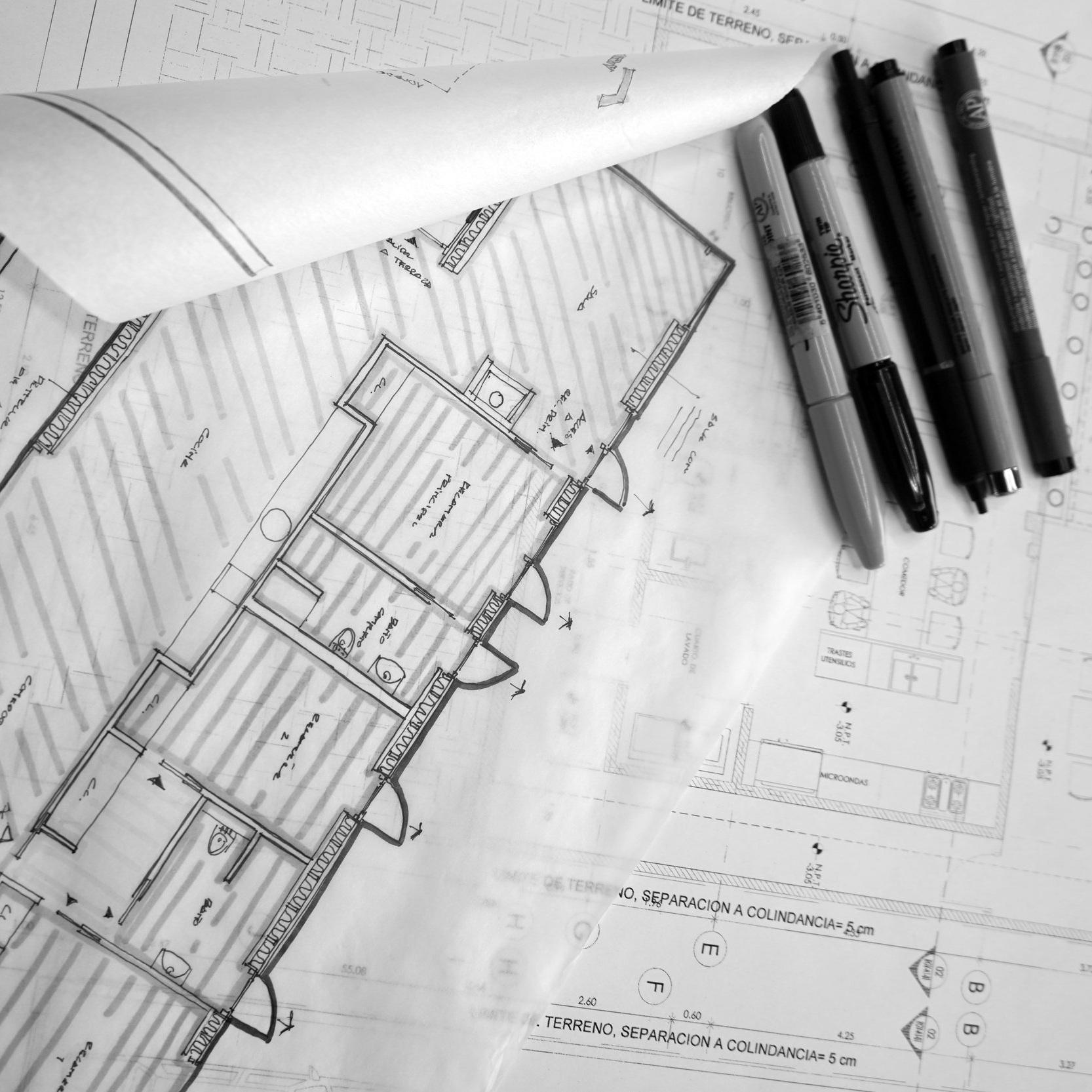 ¿Qué Necesito? - Haznos saber con qué documentación cuentas para tu proyecto: deslinde catastral, ubicación, medidas de terreno, fotografías del lugar, lista de espacios, planos, etc.
