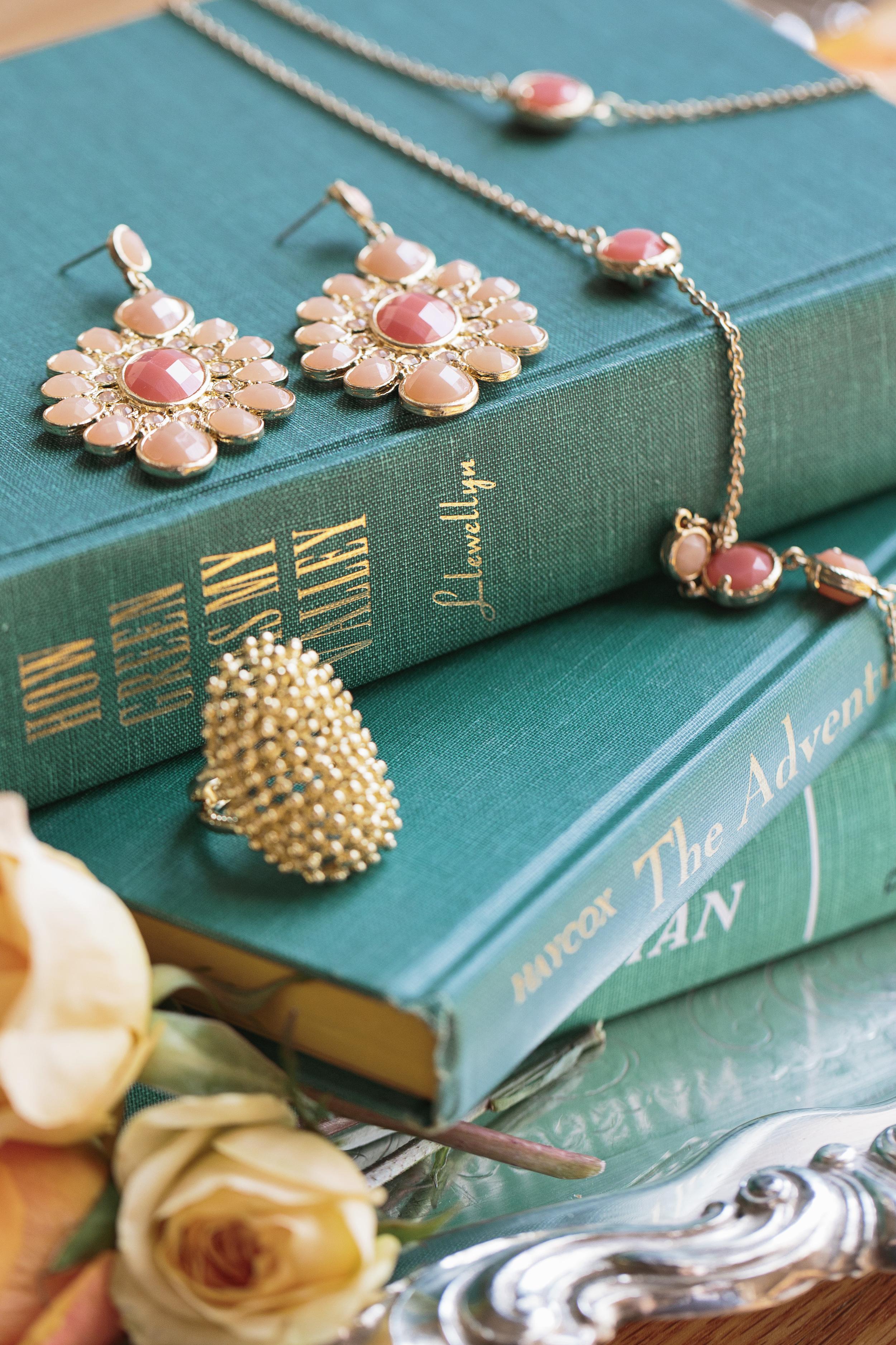 HNP_Opera-Delaware-Peach-Emerald-Wedding-Styled-Shoot_014.jpg