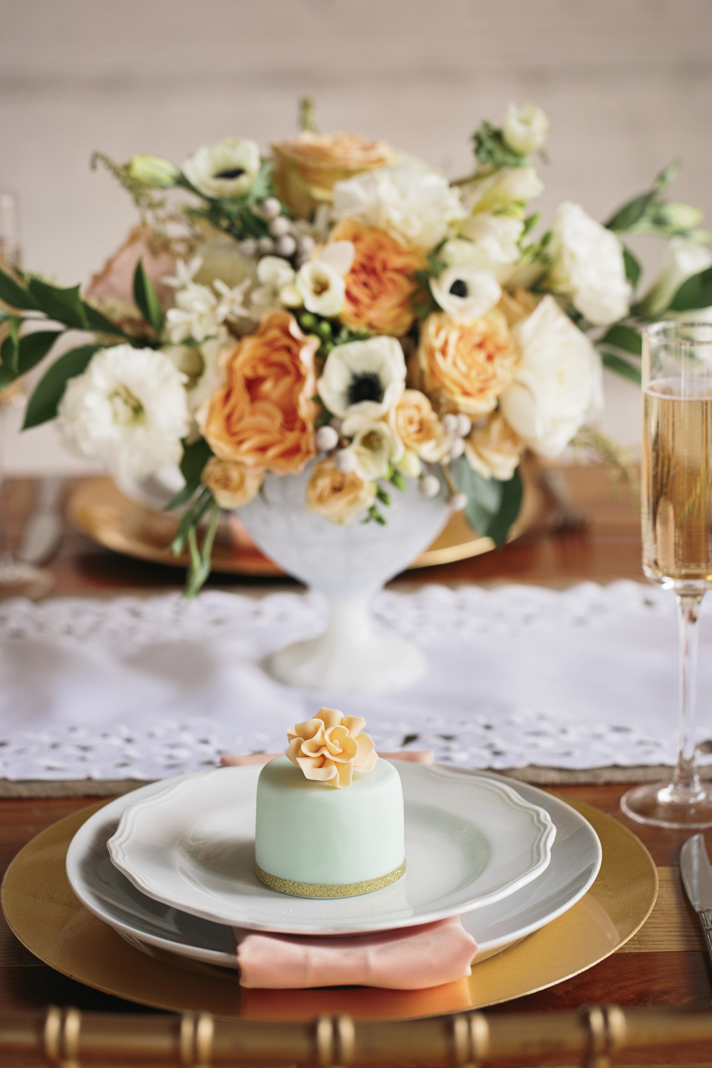 HNP_Opera-Delaware-Peach-Emerald-Wedding-Styled-Shoot_026.jpg