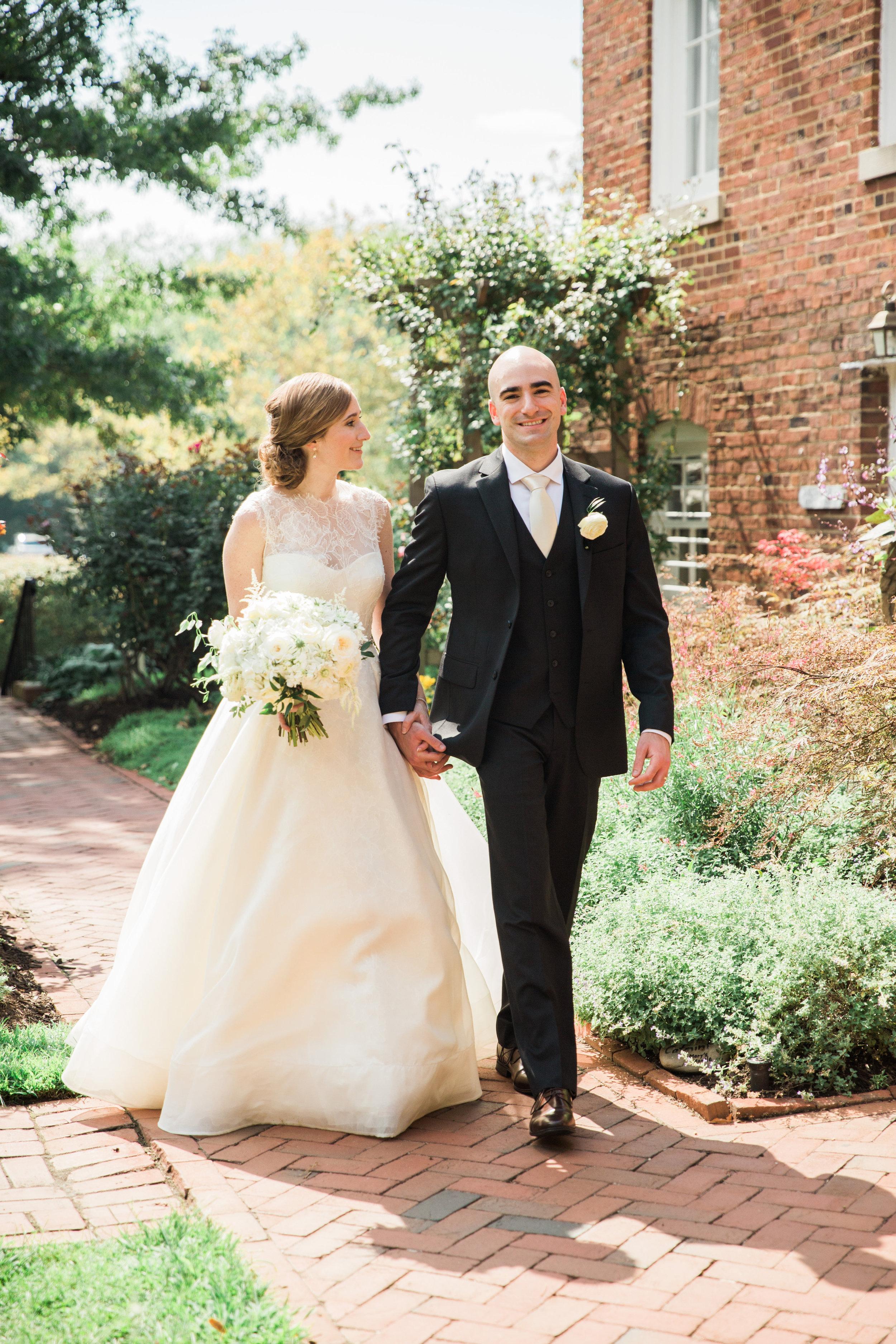 046-MA17_St-Marys-Catholic-Church-Annapolis-Wedding.jpg