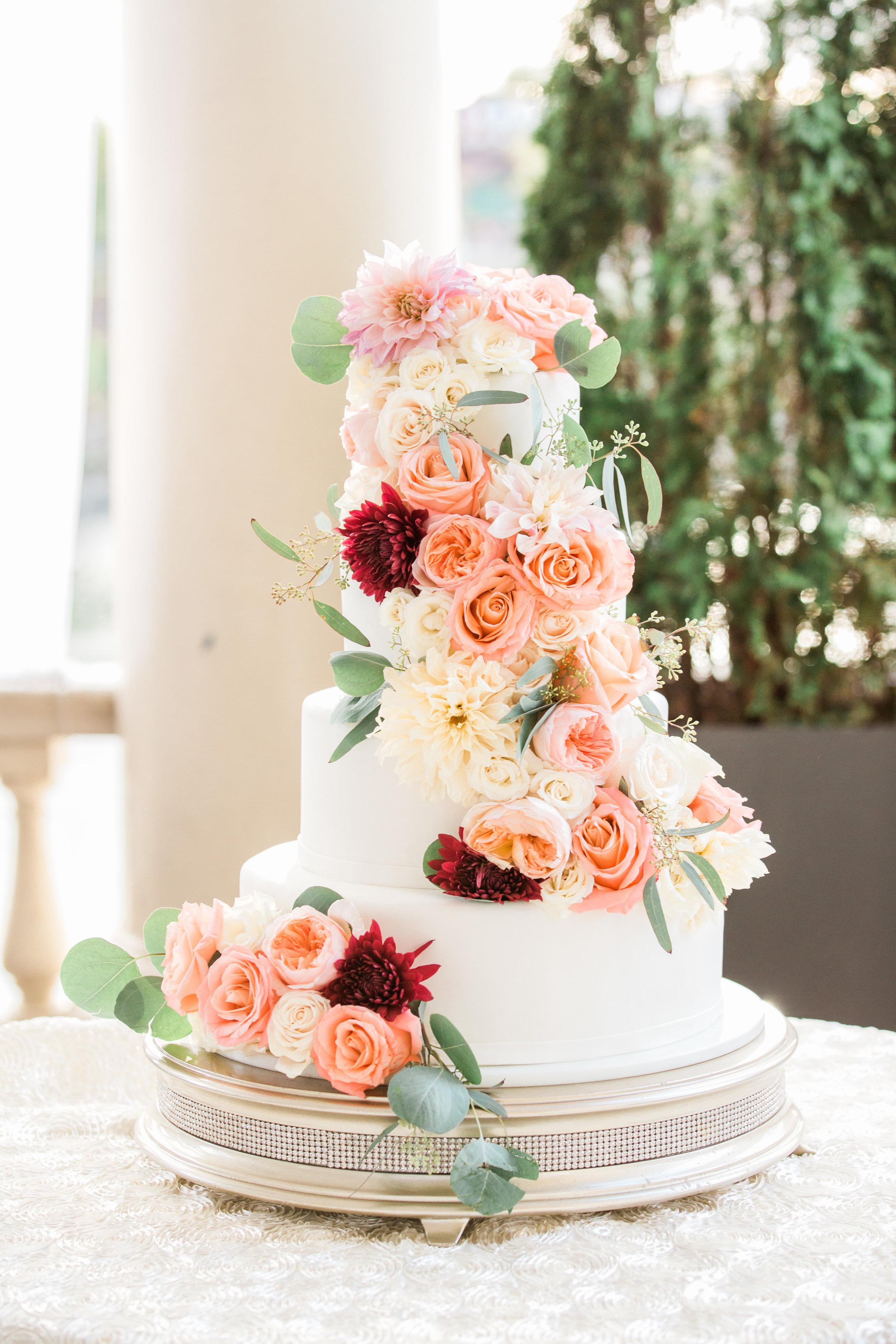 Hudson-Nichols-Black-Tie-Bride-Philadelphia-Waterworks-Wedding-Cescaphe-Floral-Wedding-Cake02.jpg