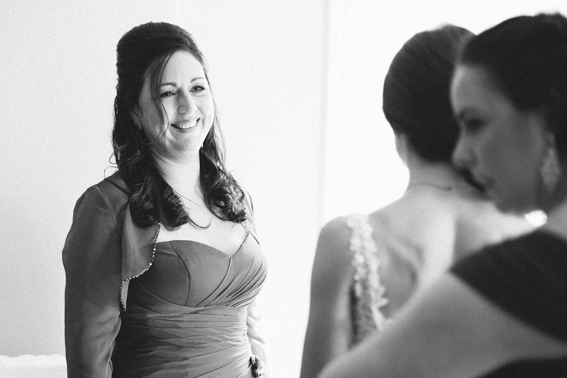 Nemours-Delaware-Art-Museum-Fall-Film-Wedding-Photographer-013.jpg