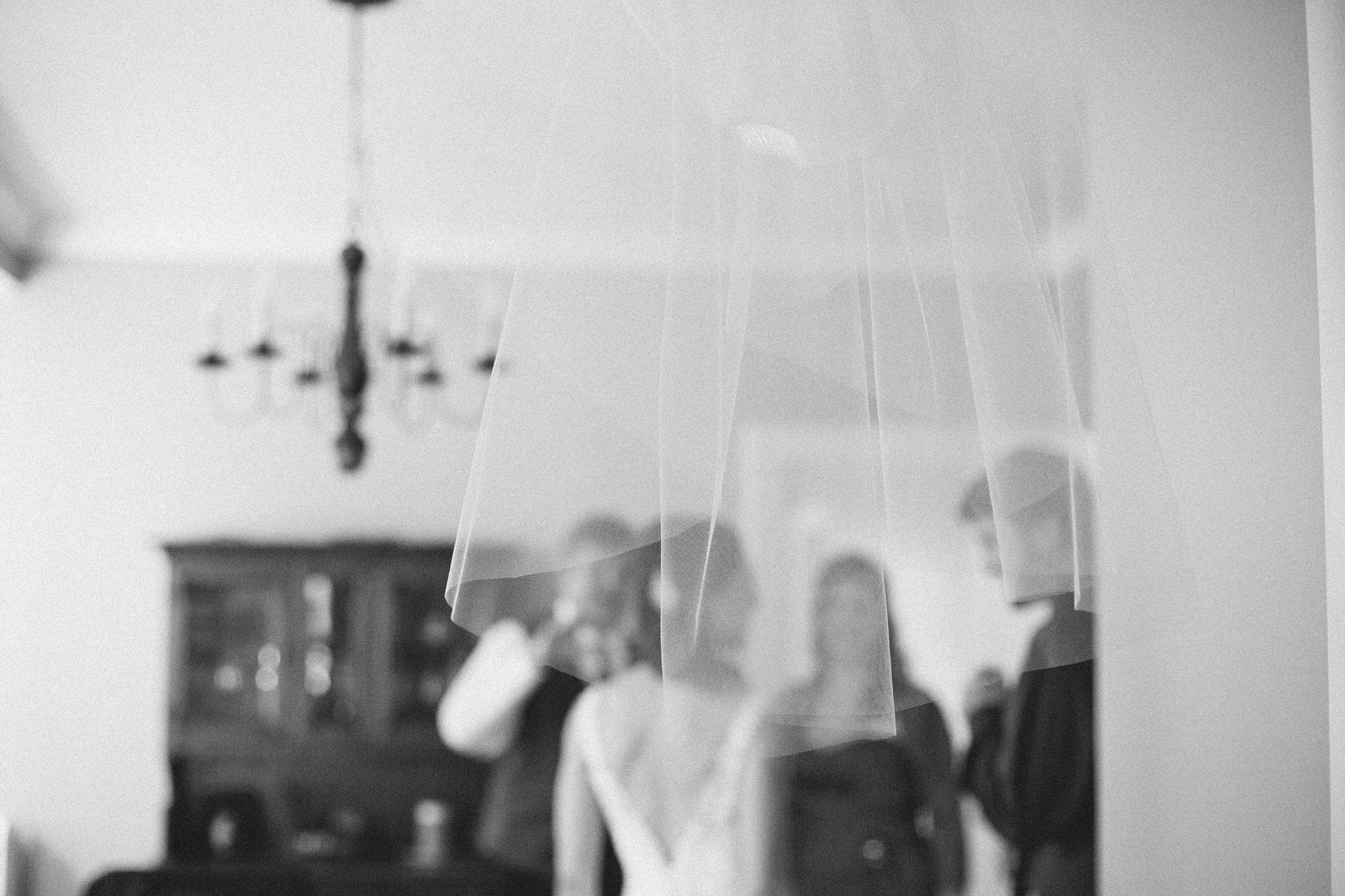 Nemours-Delaware-Art-Museum-Fall-Film-Wedding-Photographer-015.jpg
