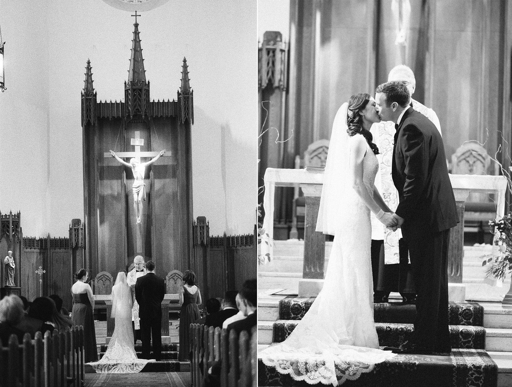 Nemours-Delaware-Art-Museum-Fall-Film-Wedding-Photographer-027.jpg