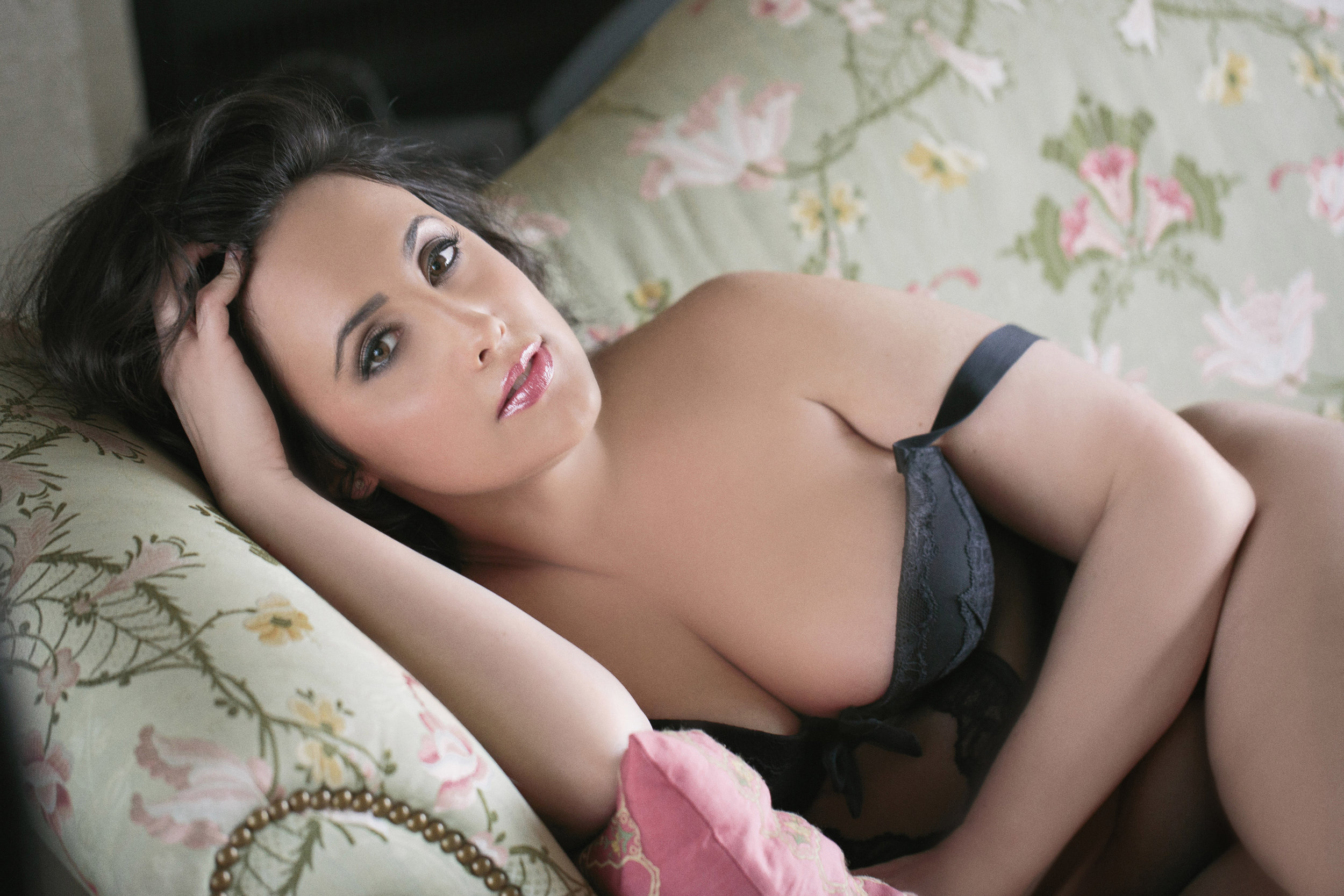 Haute-Boudoir-Photography-085-Sexy-Curvy-Women.jpg