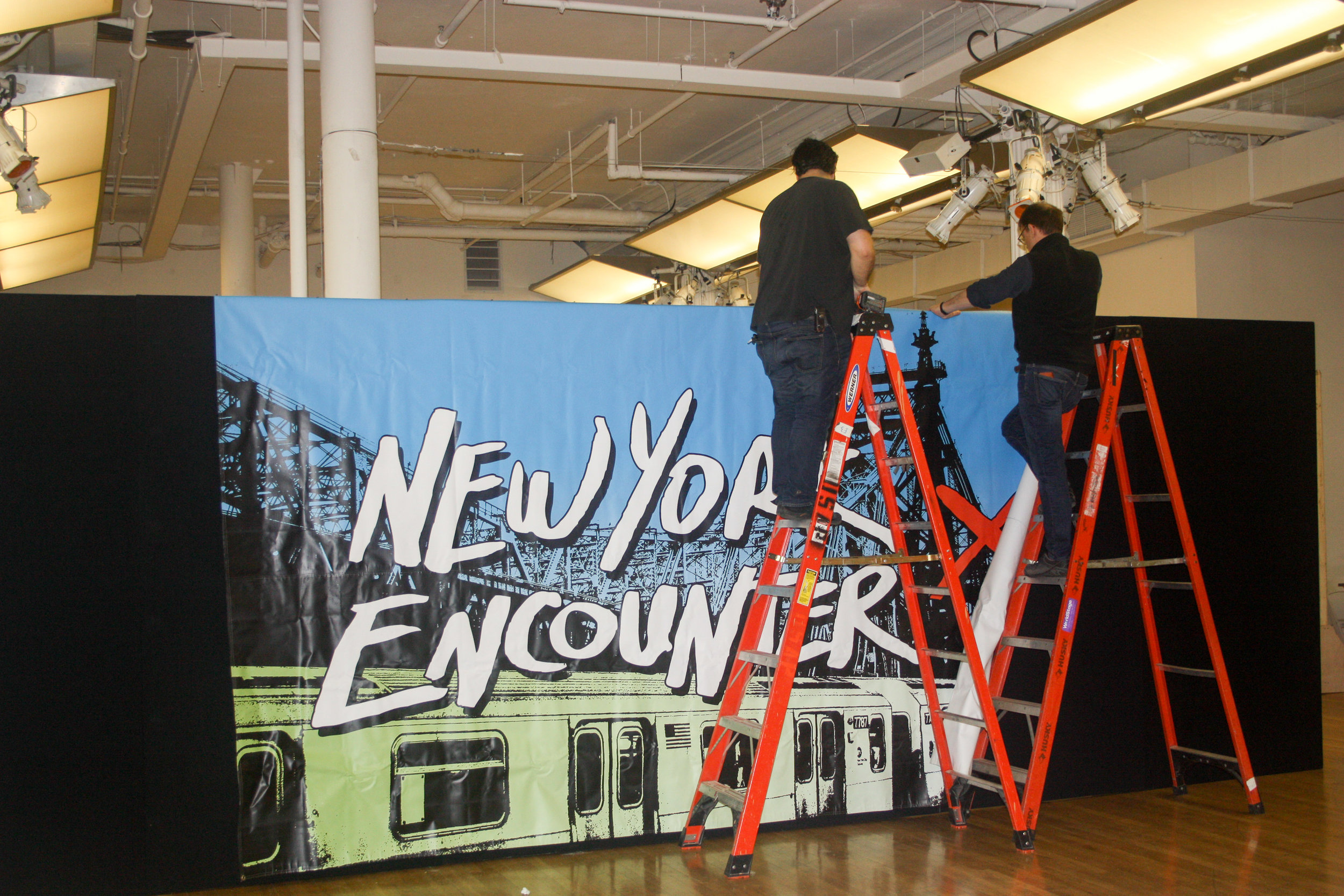 setting-up-the-2018-new-york-encounter_25796518528_o.jpg