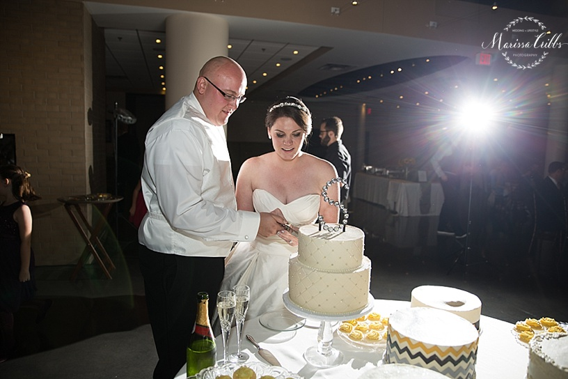 Wedding Reception | The Venue in Leawood | Marissa Cribbs Photography | Cake Cutting