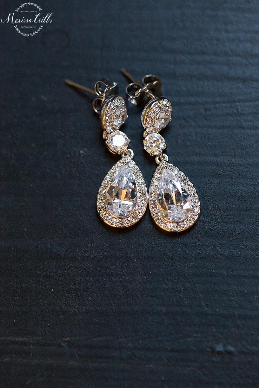 Bridal accessories   The HIlton President Hotel Kansas City   Marissa Cribbs Photography