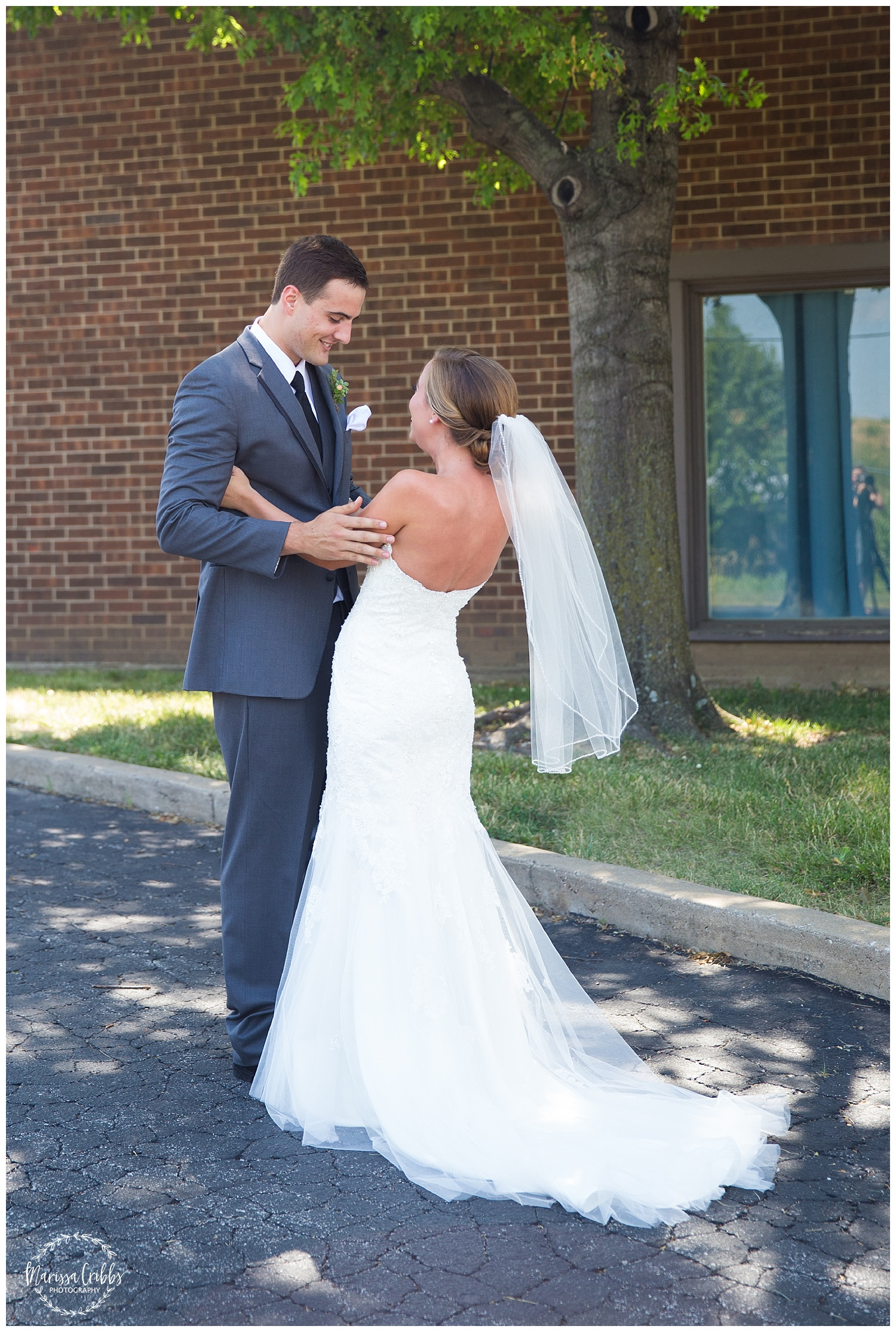 Twin Double Wedding | Union Horse Distilling Co. | Marissa Cribbs Photography | KC Weddings_0054.jpg