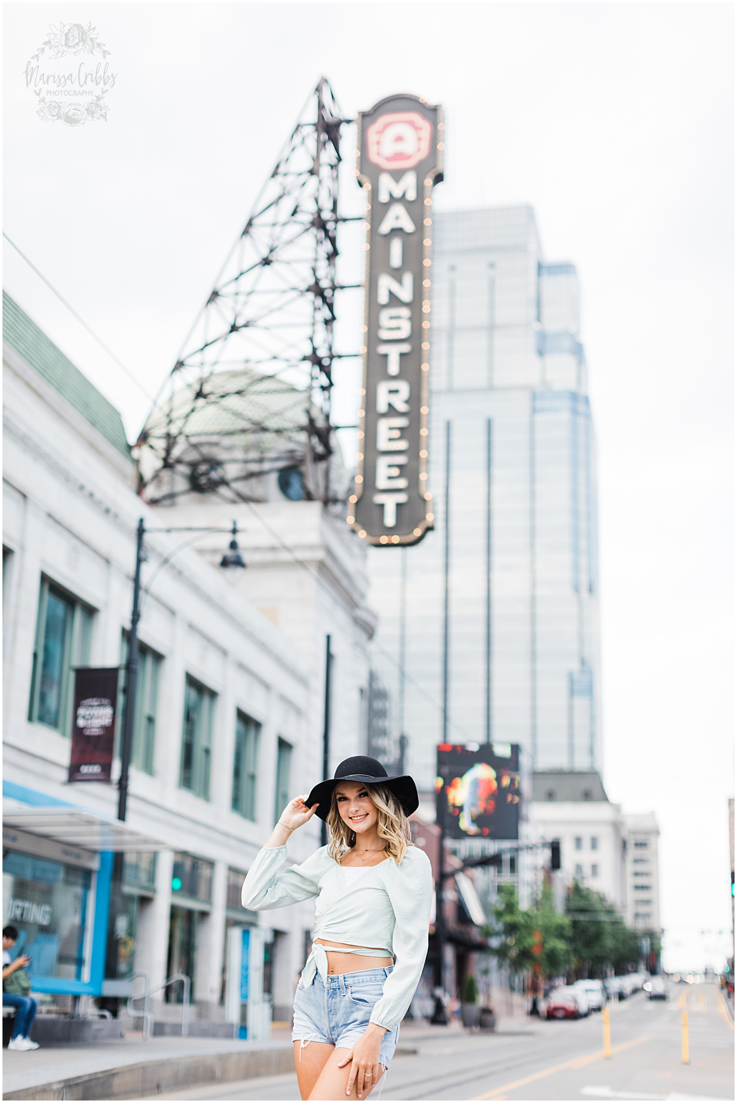GRACIE SENIOR BLOG | KANSAS CITY SENIOR PICTURES | MARISSA CRIBBS PHOTOGRAPHY_8943.jpg