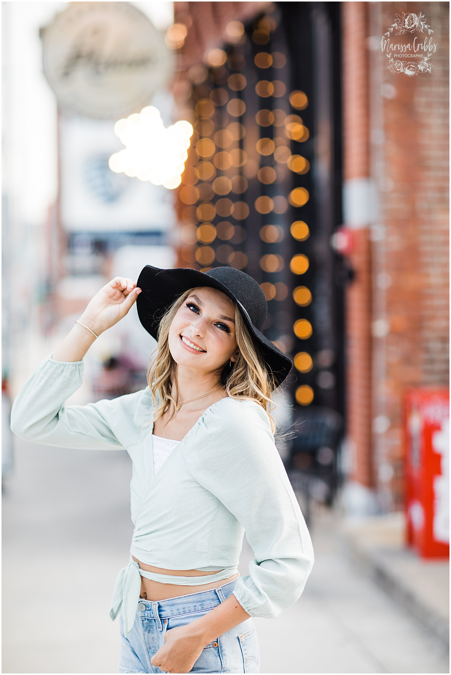 GRACIE SENIOR BLOG | KANSAS CITY SENIOR PICTURES | MARISSA CRIBBS PHOTOGRAPHY_8959.jpg