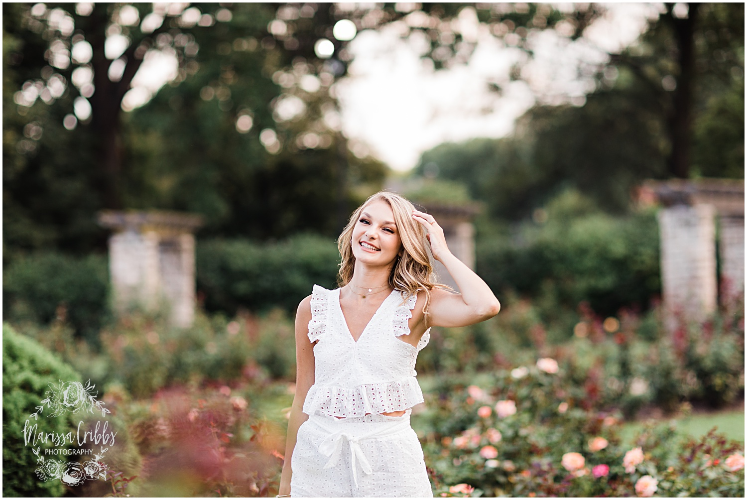 GRACIE SENIOR BLOG | KANSAS CITY SENIOR PICTURES | MARISSA CRIBBS PHOTOGRAPHY_8962.jpg