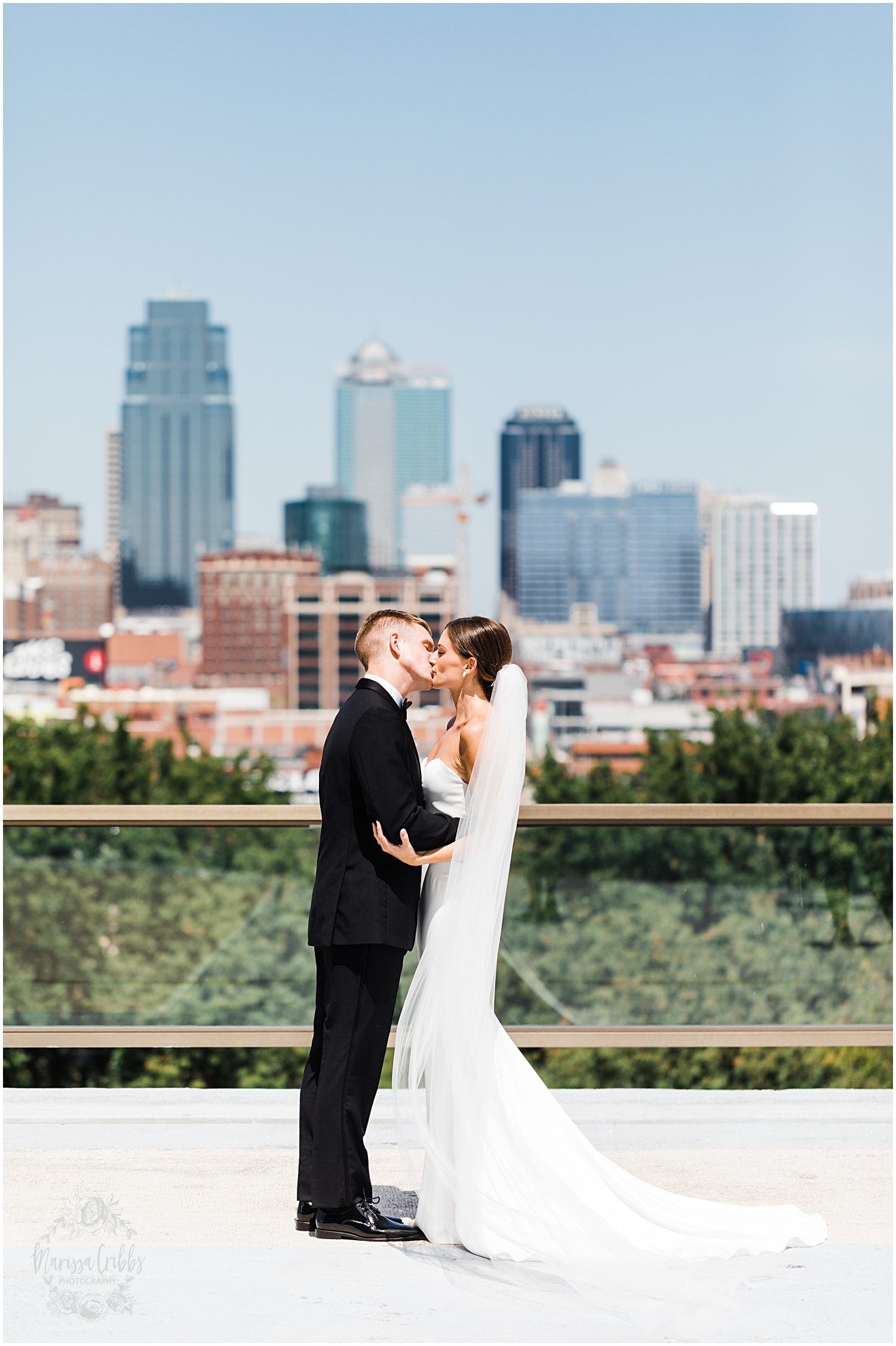 JOANNE & GEORGE MARRIED BLOG | MARISSA CRIBBS PHOTOGRAPHY | THE ABBOTT | KANSAS CITY WEDDING PHOTOS_9028.jpg