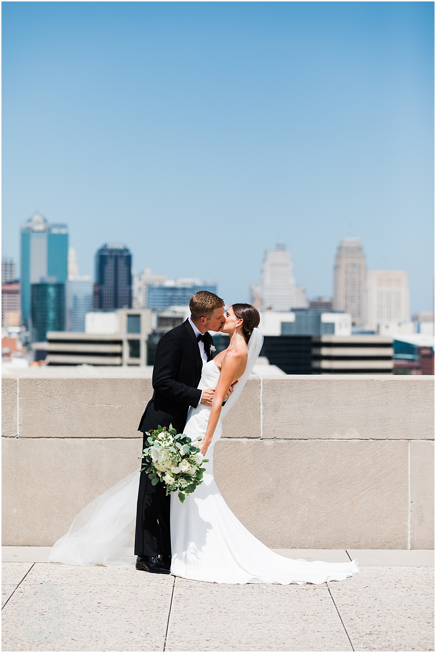 JOANNE & GEORGE MARRIED BLOG | MARISSA CRIBBS PHOTOGRAPHY | THE ABBOTT | KANSAS CITY WEDDING PHOTOS_9048.jpg