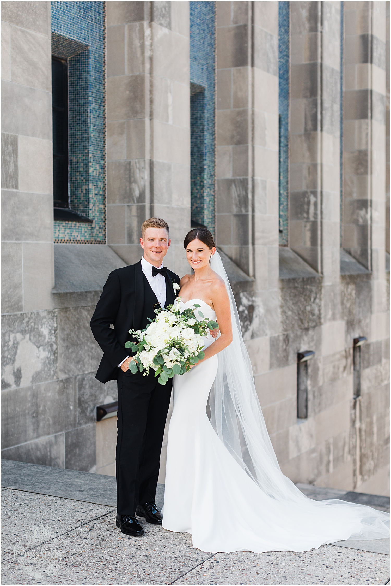 JOANNE & GEORGE MARRIED BLOG | MARISSA CRIBBS PHOTOGRAPHY | THE ABBOTT | KANSAS CITY WEDDING PHOTOS_9051.jpg
